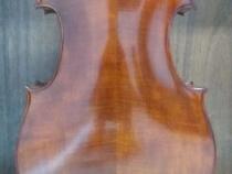 Cello-Montagnana-fundo-inteiro